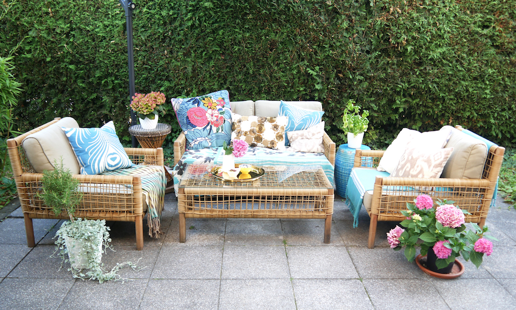 Layer your outdoor furniture from ordinary to summer oasis video allthelittledetails.de
