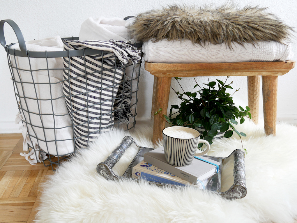 This Week's Loves and Links allthelittledetails.de Blankets Cozy